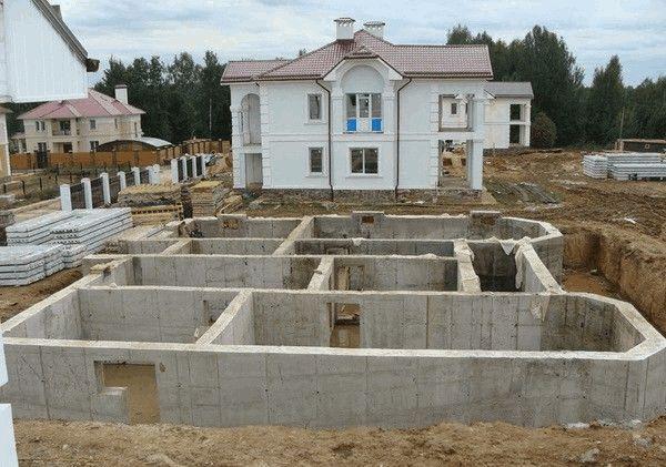 Цокольный этаж на этапе строительства